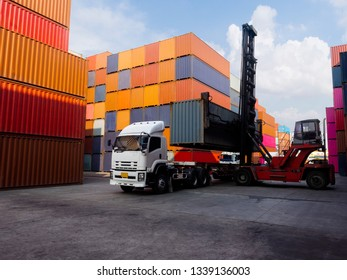 Container shift to CAR talier stacker will puting on