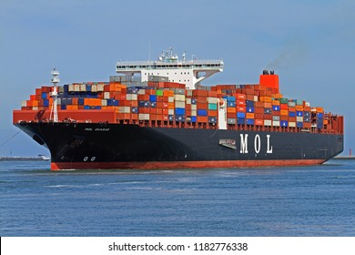 The container ship MOL Quasar will reach the port of Rotterdam on 24 May 2015.