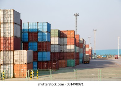 Container terminal for transport