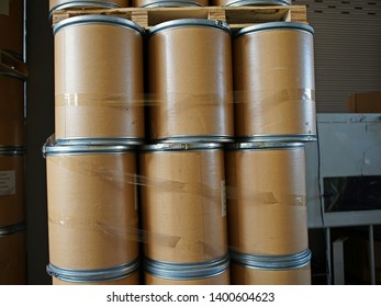 container for transortation and storage of solid chemical