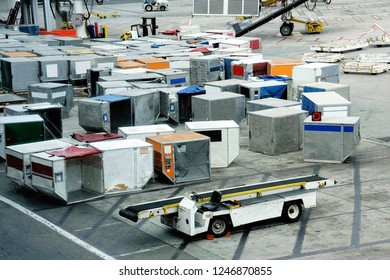 Containers with airfreight for an aeroplane at an airport