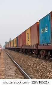 Containers on the logistic train