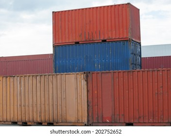 containers at the port