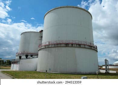Containers to produce biogas in fermentation process made from wastewater