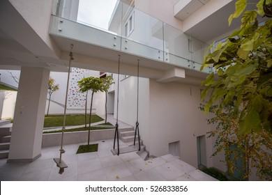 Contemporary beautiful modern white house exterior
