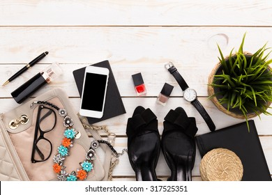 Contents of woman's bag