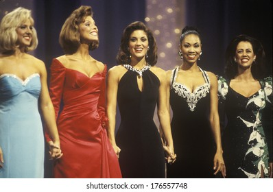 Contestants in 1994 Miss America Pageant, Atlantic City, New Jersey