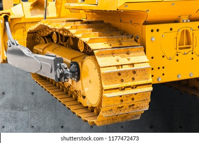 Continuous track tank tread construction machine steel chains wheels excavator