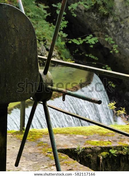 control wheel on small dam
