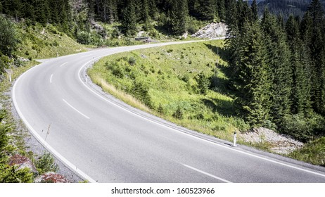 contry road at the alps
