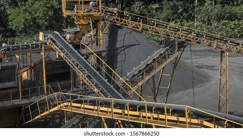 conveyor belt mine line rock transport