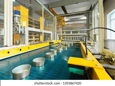 Conveyor cans, automated line