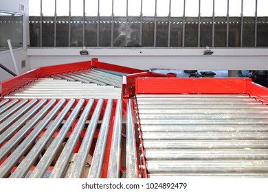 Conveyor Rollers Sorting and Shipping System in Warehouse