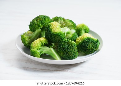 Cooked green broccoli