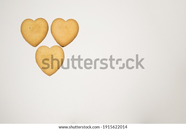 cookie-hearts-on-white-background-600w-1