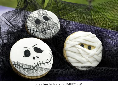 Cookies decorated for a Halloween party