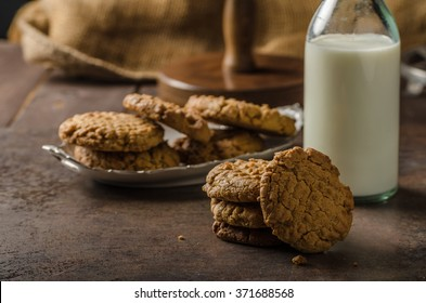 Cookies with peanut butter wholegrain, delicious with milk