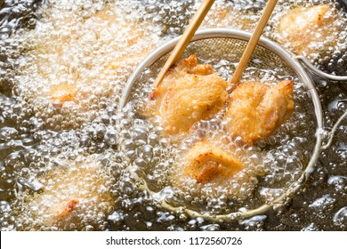 Cooking fried chicken meat