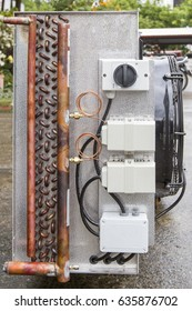 Cooling of industrial air conditioners, fans on the condenser