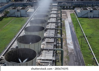 Cooling tower power plant
