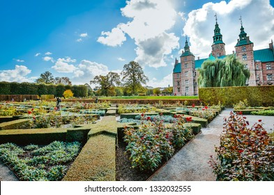 Copenhagen, Danmark, 28/09/2018: Overview of Rosenborg Park and Castle in Copenhagen, photograph taken during a holiday