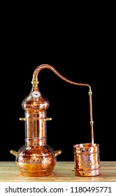 Copper alembic to distill alcohol and oils