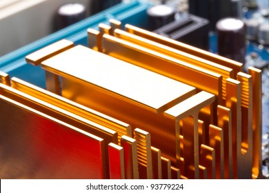Copper computer radiator on the motherboard
