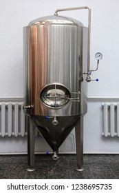 Copper tun for brewing at a brewery