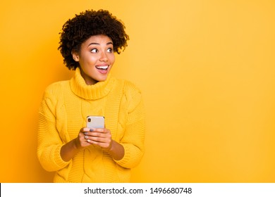 Copyspace photo of charming model stylish pretty attractive gorgeous sweet lovely beautiful girlfriend stupor with something occurring in social media wearing pullover isolated vivid color background