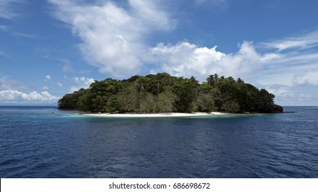 Coral Island on the barrier of Marovo Lagoon, World Heritage SIte in Solomon Islands