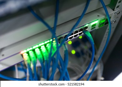 Core switch technology in network room place .