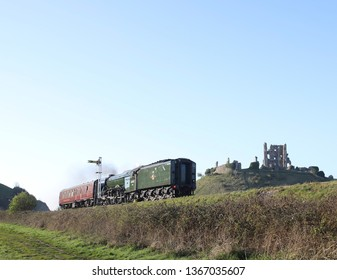 Corfe, Dorset, England. 12/04/19 The iconic Flying Scotsman travelling off after its stay in Dorset