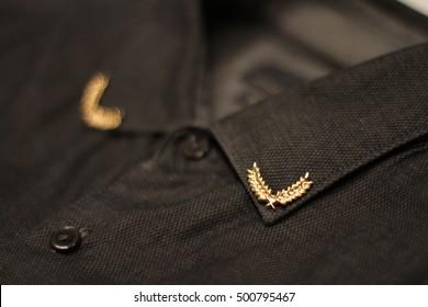 corners on the collar