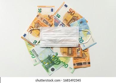 Coronavirus recession - banknotes 2020.