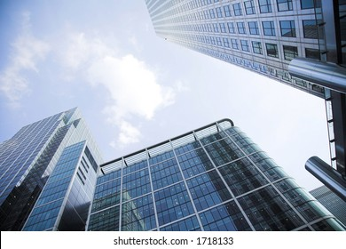 corporate buildings towards the sky in canary wharf 3