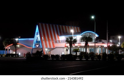 CORPUS CHRISTI, USA - OCT 15: Fast food restaurant Whataburger in Corpus Christi. October 15, 2008 in Corpus Christi, Texas, USA