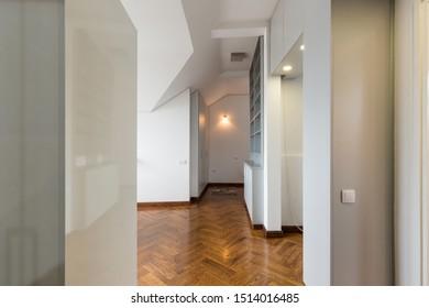 1000+ Couloir Appartement Stock Images, Photos & Vectors ...