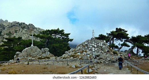 Corsica-panoramic view on the statue on the pass Col de Bavella