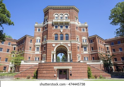 Corvallis, OR, USA - August, 21, 2016: Weatherford Hall is one of two homes to the College of Business Living-Learning Community (LLC) known as Innovation Nation at Oregon State University.