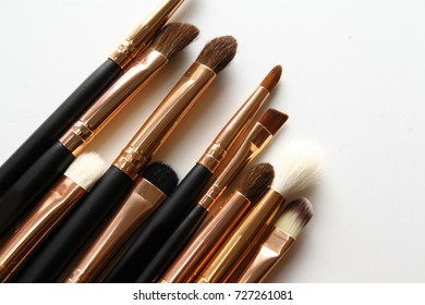Cosmetic brushes / Eye shadow brush has slightly looser bristles and a rounded tip useful for blending eye shadow colors