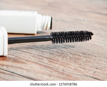 Cosmetics(Blush,brush,lipstick, Eye shadow,powder,Foundation, Mascara,) decorate the beauty of a woman's face. Lay on the floor