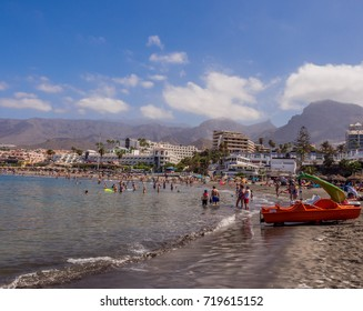 Costa Adeje, Teneriffe, Canary Islands, Spain. September 3rd 2017. Holiday makers enjoying the beach and sea at Costa Adeje, Teneriffe, Canary Islands, Spain