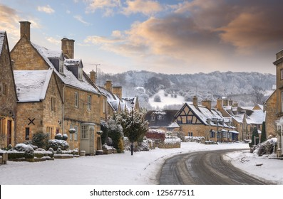 Banque d'images Cotswold-village-broadway-snow-worcestershire-260nw-125677511