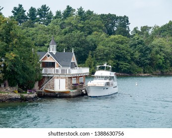 Cottage in Thousand Islands Ontario with boat