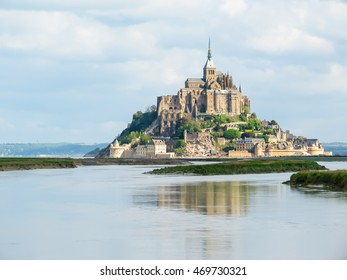 Couesnon river and Mont Saint-Michel - tidal island, town and abbey. France
