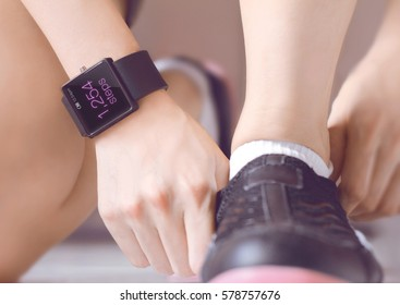 Count your steps with the smartwatch application. Smartwatch can make life easier, and potentially healthier in the future.