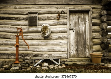Country Lifestyle. Exterior of a historical log cabin in Midwest America. This is a historical public display in Maysville, Michigan. It is not a a private property or residence.