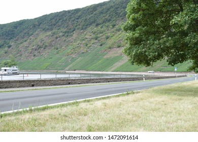 country road in Moselle valley