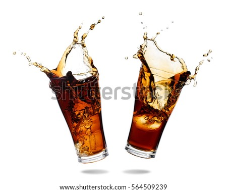 Couple cola splashing out