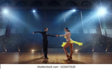 pole dansare dejtingsajt
